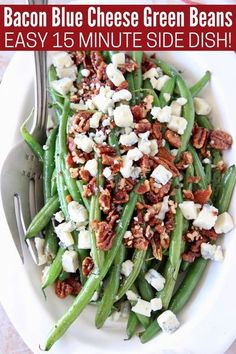 Say goodbye to boring, plain green beans & hello to these AMAZING green beans with bacon, pecans & blue cheese! This easy stove top recipe is made in just 15 minutes with fresh green beans, crispy bacon & candied pecans!