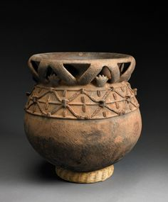 Babessi, Cameroon. Vessel. Dick Jemison Cameroon Ceramic Collection, Birmingham Museum of Art.