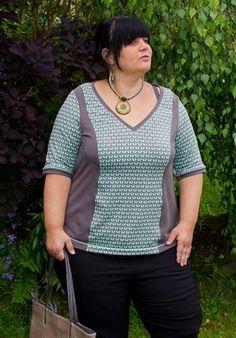 Jenny Curvy Line - Shirt in den Größen 48-60, durch Teilungsnähte figurnah und gut anpassbar. Verschiedene Ärmel und Kragen im Schnittmuster enthalten.