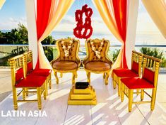 Golden Victorian chairs for B&G and traditional golden a red chairs for parents