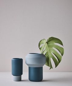 Flower Vases, Flower Pots, Flowers, Grands Vases, Clay Art Projects, Vase Shapes, Pottery Sculpture, Design Graphique, Ceramic Design