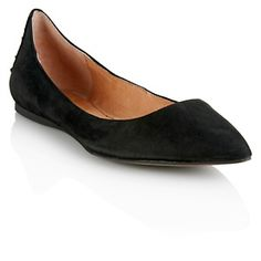 You should always keep a simple #black #flat around. It's the easy, go-to shoe!