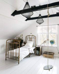 Angelica et Benny Lindesberg home_chambre enfant blanche