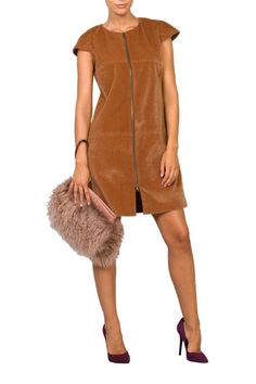Vestido corto camel con cremallera de Pilar Dalbat