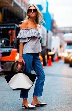 look calça cropped blusa ciganinha listrada