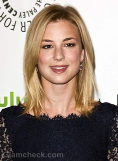 Emily VanCamp love her hair color and length
