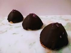 Sarah Bernhardt kager – Bagehuset.dk Muffins, Cheesecake, Pudding, Breakfast, Desserts, Food, Morning Coffee, Tailgate Desserts, Muffin