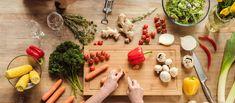 Przestrzeganie właściwej diety ma ogromne znaczenie przy reumatoidalnym zapaleniu stawów (RZS). Narzekasz na silne bóle i sztywnienia stawów? Zmień swój codzien ... Mature Couples, Table Settings, Cooking Recipes, Table Decorations, Dinner, Healthy, Kitchen, Blog, Arthritis