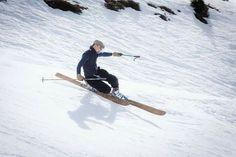 Rabbit on the roof, skis en bois