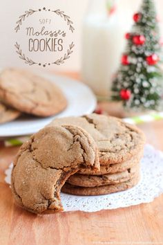 Soft Molasses Cookies - I Heart Nap Time - no refrigeration, ready in less than an hour. Cookie Desserts, Just Desserts, Cookie Recipes, Delicious Desserts, Dessert Recipes, Yummy Food, Tasty, Cookie Bars, Baking Recipes