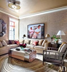 Whether oversize or L-shaped, a chic sectional sofa can cozy up the living room