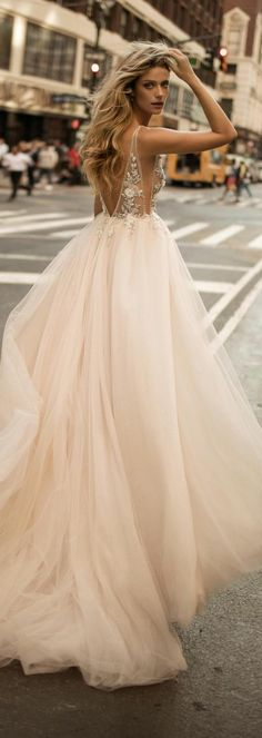 Leonardo DiCaprio bei der Oscarverleihung in Loas Angeles, März 199 . - My Bilder Fall Dresses, Elegant Dresses, Beautiful Dresses, Evening Dresses, Formal Dresses, Leonardo Dicaprio, Mini Wedding Dresses, White Lace, White Dress