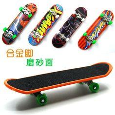1 Pcs Random Color Mini Desktop Boys Toys Alloy Grind Arenaceous Finger Skateboard Novelty Toy Professional Fingerboard