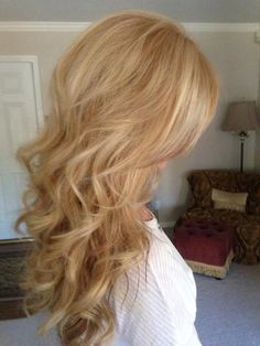 Love the color and length.. ok I guess I'm growing my hair out and going blonde-JT