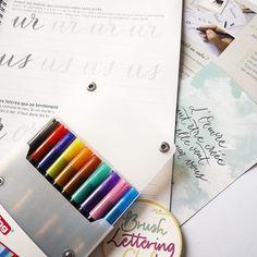 Noëlie | Calligraphique (@calligraphique) • Photos et vidéos Instagram Lettering, Photos, Instagram, I Want You, Pictures, Drawing Letters, Brush Lettering