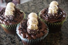 hippopotamus cupcakes. I have 3 happy hippos left from Germany...