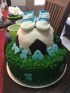 It's a Boy soccer cake The Effective Pictures We Offer You About usa Soccer Cake A quality picture c Baby Boy Soccer, Soccer Baby Showers, Baby Shower Niño, Baby Shower Cakes, Men Shower, Soccer Cake, Soccer Party, Soccer Theme, Baby Shower Decorations For Boys