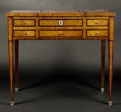 A FINE POUDREUSE LOUIS XVI 1780 FRANCE dressing table (France)