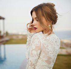 Confira a segunda parte da coleção Orchid Bridal Collection, da estilista israelense Julie Vino. São vestidos maravilhsos, lindos, elegantes, sensuais na medida certa!