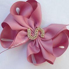 Lasos de niñas Hair Ribbons, Diy Hair Bows, Lace Bows, Ribbon Bows, Felt Headband, Headbands, Hair Beret, Gold Hair Accessories, Fabric Flowers
