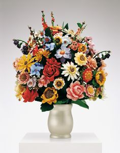 #JeffKoons Large Vase of Flowers, 1991 Polychromed wood, fetched $5.7 million Christie's New York, 11/10/09.