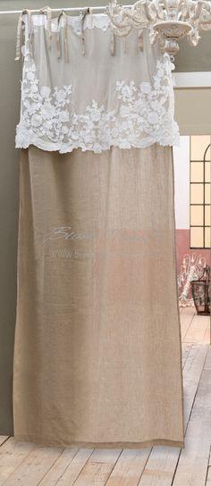 """Tenda  Shabby Chic con mantovana """"Arabella Collection"""" Blanc Mariclò. Materiale: 55 % Lino 45% Cotone Dimensioni: 140x290 cm Selezione Esclusiva Blanc MariClò."""