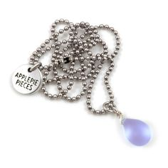 Happy tear ketting lavender frost #applepiepieces #jewelry