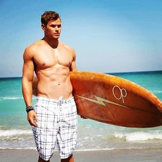 Pin for Later: Age Is Just a Number: Count the Years in Shirtless Guys 29: Kellan Lutz Source: Instagram user kellanlutz