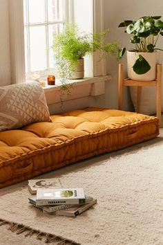 Rohini Daybed Cushion - Home Design Decoration Inspiration, Room Inspiration, Decor Ideas, Room Ideas, Retro Home Decor, Cheap Home Decor, Boho Living Room, Living Room Decor, Daybed In Living Room