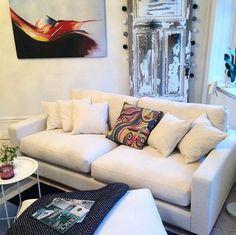 Vit Valen soffa. Djup soffa, vardagsrum, linne, låg soffa, inredning, möbler. http://sweef.se/soffor/111-valen-soffa-i-linne.html