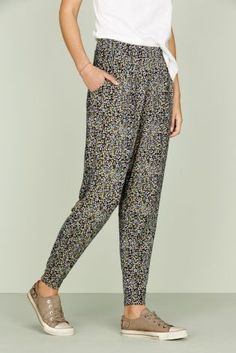 If it's not QUITE warm enough to show your legs though, these tapered trousers are a great way of embodying the sunny season. Cargo Pants Women, Trousers Women, Latest Fashion For Women, Mens Fashion, My Wardrobe, Wardrobe Ideas, Tapered Trousers, Cool Style, My Style