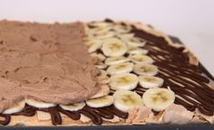 Choc Banana Rolled Pavlova - Great how to!