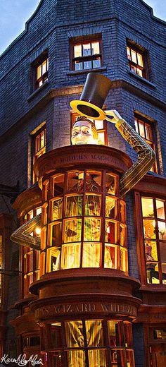 Weasley's Wizard Wheezes Diagon Alley, Universal Studios