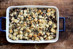 Pretzel Bread Quinoa Stuffing with Garlic Butter Mushrooms I howsweeteats.com
