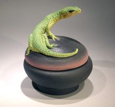 Hey, I found this really awesome Etsy listing at https://www.etsy.com/listing/22874560/lizard-box