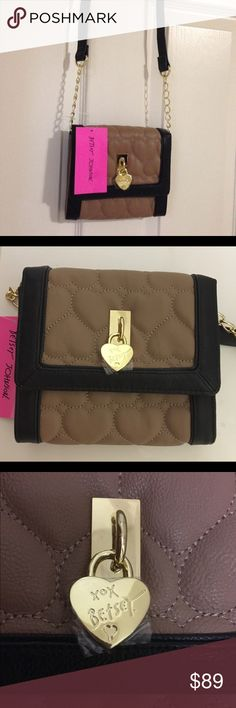 """1 HOUR SALE!! NWT Betsey Johnson Adorable Purse! 1 HOUR SALE!! NWT Betsey Johnson Adorable Spice Crossbody!!!  A mini Crossbody bag - 6.5"""" in length & 6"""" in height- strap drop 23"""" Betsey Johnson Bags"""