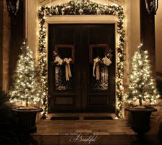 Christmas Porch and Front Door Garland DIY. My favorite decoration for christmas is WHITE LIGHTS!!!!!