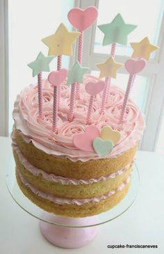 Looking for baby shower cakes but unsure about where to start? This post has tons of beautiful cake examples plus helpful tips on how to choose your own. Pretty Cakes, Cute Cakes, Beautiful Cakes, Amazing Cakes, Baby Shower Cakes, Bolos Naked Cake, Naked Cakes, Drip Cakes, Sweet Cakes