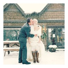 This cold weather couple: 38 Couples Who Absolutely Nailed Their Winter Weddings Wedding Robe, Budget Wedding, Wedding Pictures, Wedding Ideas, Wedding Images, Winter Wedding Boots, Winter Wonderland Wedding, Winter Weddings, Snowy Wedding