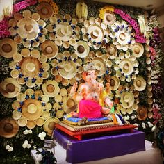 Top 81 Creative Ganpati Decoration Ideas For Home That You Should Try Ranjana Rathi Flower Decoration For Ganpati, Eco Friendly Ganpati Decoration, Ganpati Decoration Design, Mandir Decoration, Ganapati Decoration, Diy Diwali Decorations, Festival Decorations, Flower Decorations, Ganesh Chaturthi Decoration