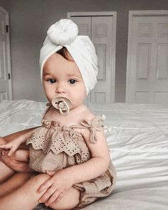Baby / Toddler Boy / Girl Denim Suspender Jumpsuit - Source by isabellazyk - Foto Baby, Cute Baby Pictures, Cute Kids Pics, Cute Toddlers, Pictures Of Babies, Toddler Girl Pictures, Baby Girl Fashion, Newborn Baby Girl Outfits, Cute Baby Outfits