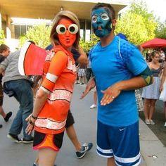 Nemo und Dori: Da fragt man sich doch echt, warum die Frau nicht das Dori-Kostüm trägt und der Mann nicht das Kostüm von Nemo. Aber nagut, jeder wie er mag, haha. | unfassbar.es