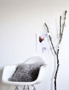 My simple winter tree By @whitelivingetc