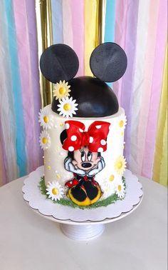 Minnie Mouse Cake Design, Minnie Cupcakes, Disney Cakes, Birthday Cake, Desserts, Tailgate Desserts, Deserts, Birthday Cakes, Postres