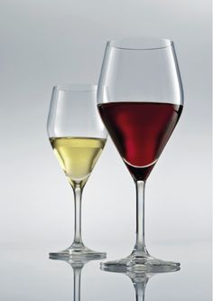 Audience Red Wine, Wine Glass, Alcoholic Drinks, Liquor Drinks, Alcoholic Beverages, Liquor, Wine Bottles