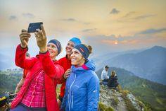Teilt eure Urlaubserlebnisse in Flachau mit euren Freunden Salzburg, Rafting, Canada Goose Jackets, Winter Jackets, Roller Coaster, Tourism, Families, Alps, Friends