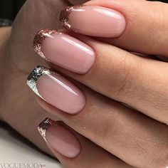 French nails create the visual effect of slender fingers. Now French nails have various color variations. Here we provide a variety of nails that are instantly elegant and make your hands look longer. French Nails, French Manicures, Holiday Nails, Christmas Nails, Gel Nails, Nail Polish, Acrylic Nails, Wedding Nails Design, Nagel Gel