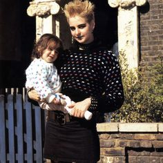 Single mum Mary with her daughter, Annie- Eastenders Single Mum, Old Tv Shows, Best Tv, Classic Films, Dane Dog, Skater Boys, Mullets, Doctor Who, Bbc
