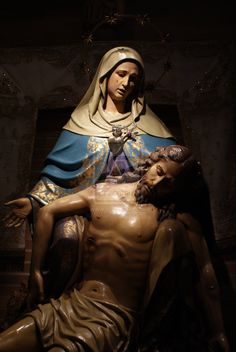 Pieta...so beautiful-- imagine the pain they both went through, how we live can show our appreciation