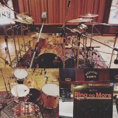 Segundo dia de grabación en el gran Estudio Panda .  #stc #drumdoctor #fuser #seminariodedrumdoctor @zildjianusa @solidrums_argentina @dbdrums_ok @nicooruga  #rec  #drumporn #recording by sebastiantanocavalletti